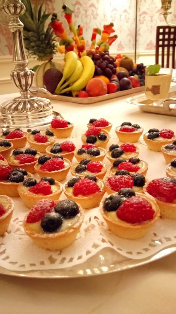 Mini tart Cream patisserie& fruits forest